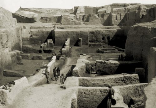 Рис.3: Фото раскопок в Ираке