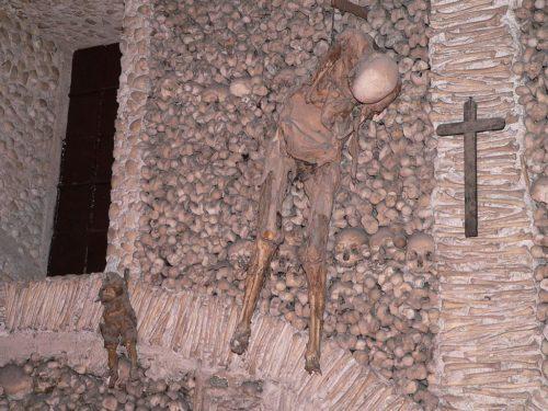 Рисунок 3. Отец и сын, которых прокляла умирающая женщина