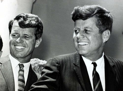 Рисунок 7. Кеннеди с братом Робертом