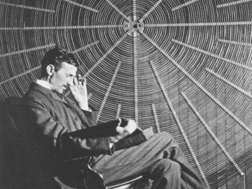 Рис.2: Никола Тесла